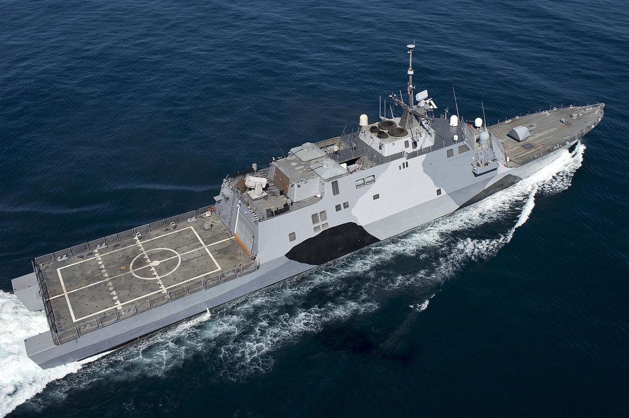 1280px-USS-Freedom-rear-130222-N-DR144-367