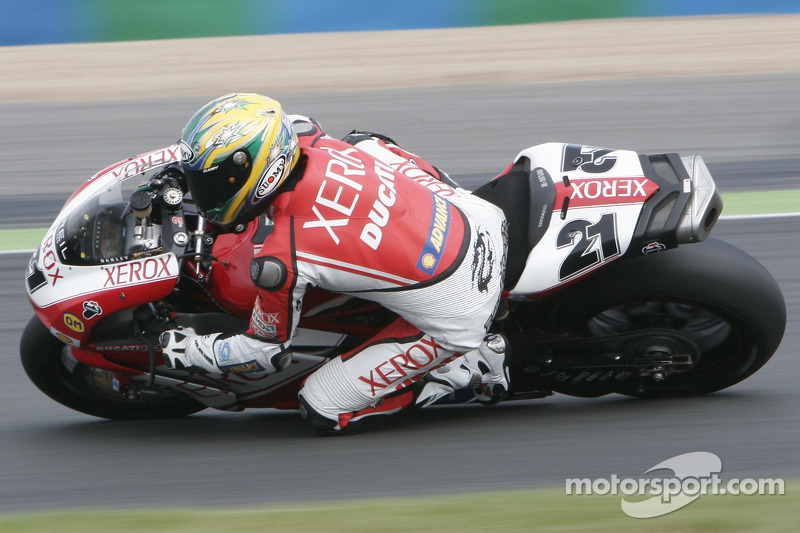 wsbk-magny-cours-2007-21-troy-bayliss-ducati-999-f07-ducati-xerox-team