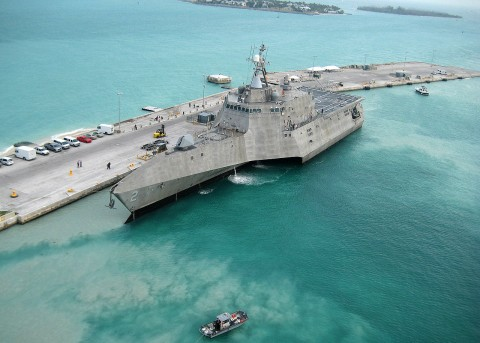1280px-USS_Independence_LCS-2_at_pierce